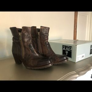 FRYE ankle boots with heel
